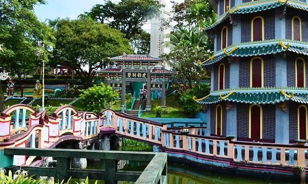 haw par villa pagoda bridge